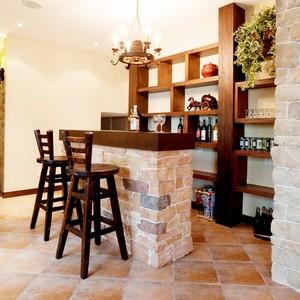 99平米小户型复古酒柜吧台效果图片