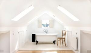 宽敞明亮的小阁楼浴室装修效果图大全