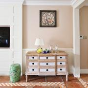 浅色调小户型复古玄关设计装修效果图
