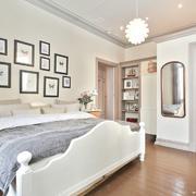 前卫韩式18平米卧室照片墙设计效果图