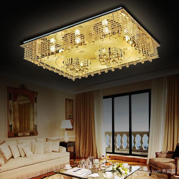 大户型现代客厅水晶吊灯装修效果图