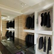 122平米三室一厅宜家小型衣帽间设计图