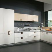 现代三室一厅家居厨房装修设计效果图