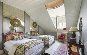 复式楼古典风情大阁楼卧室装修效果图