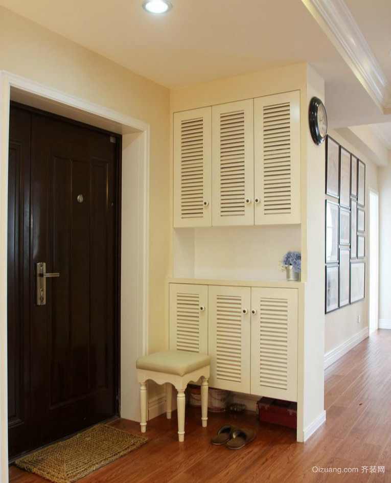 舒适现代78平米家居玄关柜设计装修效果图