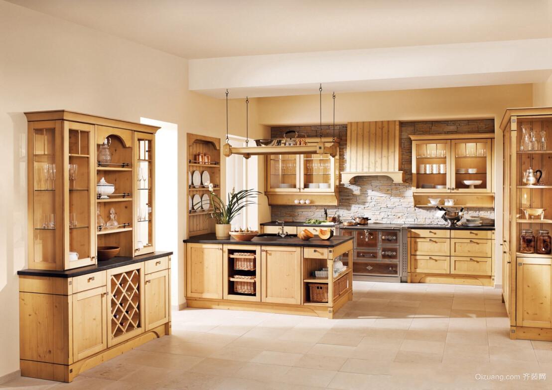 大型别墅厨房实木橱柜装修设计效果图