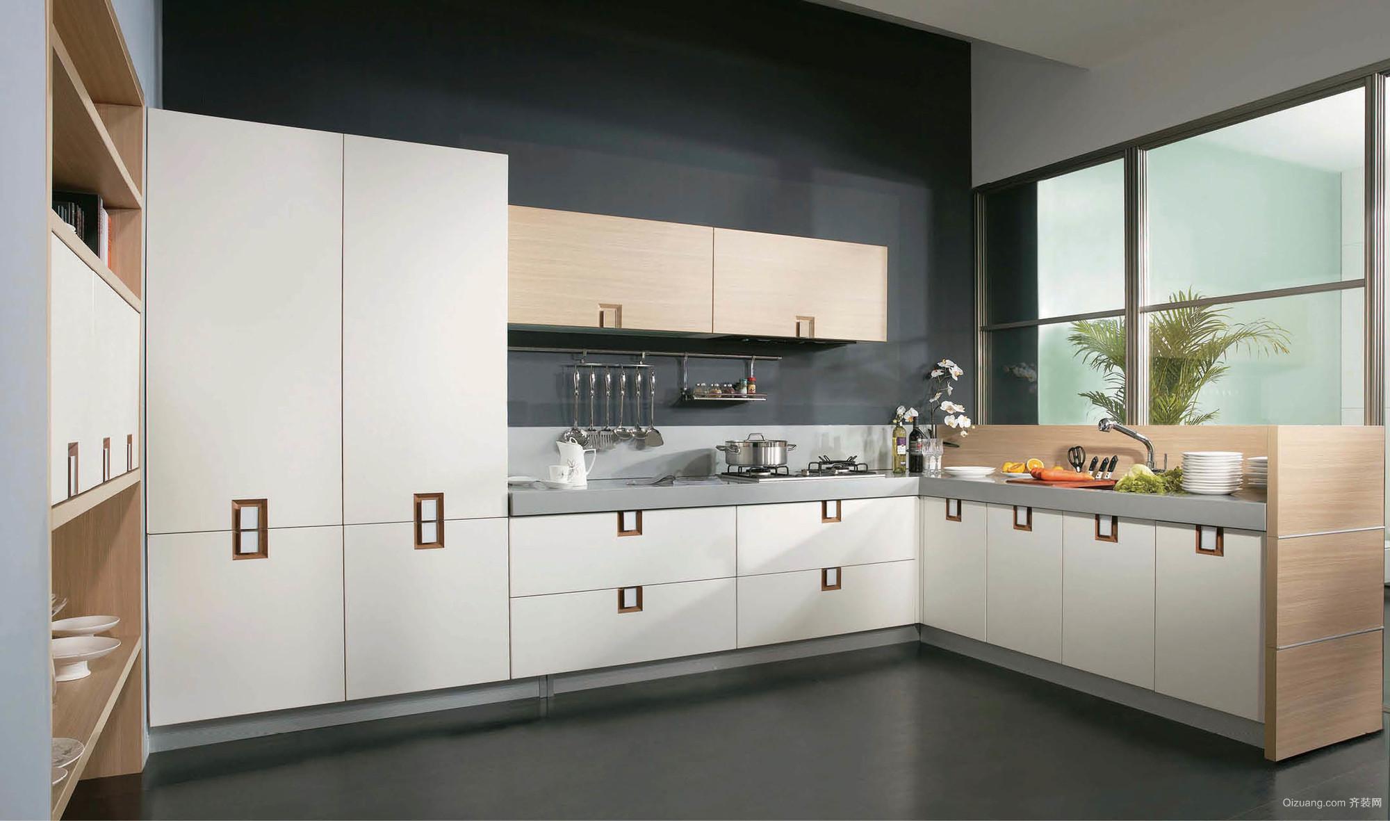 宜家实用的U字型厨房装修设计效果图