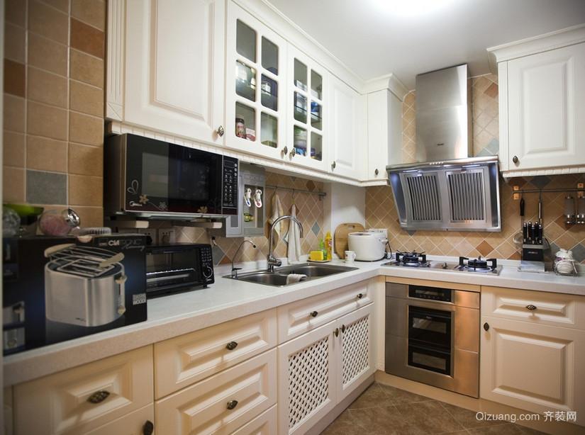 现代欧式别墅型厨房吊顶装修效果图