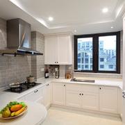 大户型现代化U字型厨房设计装修效果图