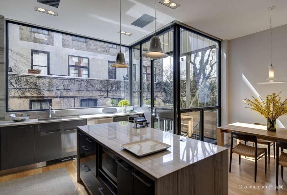 精致的别墅欧式不锈钢橱柜装修效果图