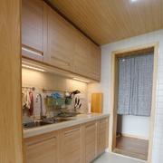 一字型厨房实木橱柜设计装修效果图