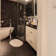 63平米简约小户型卫生间设计效果图