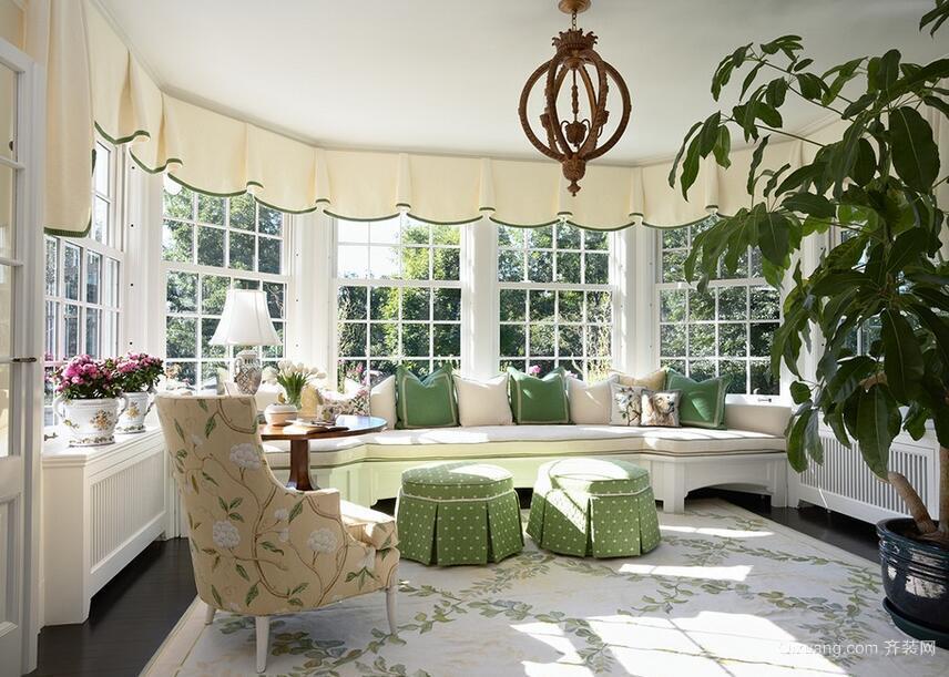 别墅型精致的欧式风格阳台装修效果图实例