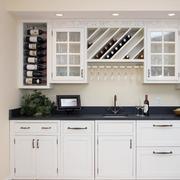 2016精美的白色欧式大户型厨柜装修效果图
