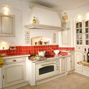 别墅型欧式风格精美的厨房装修效果图
