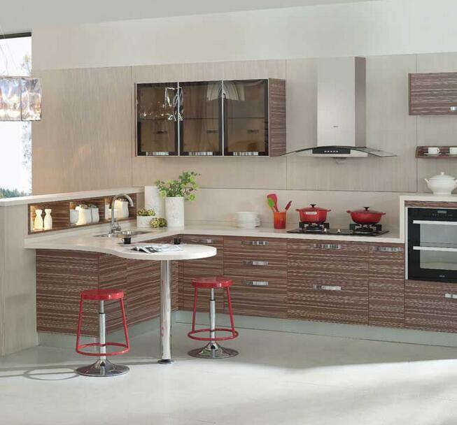 精美别墅型欧式厨柜装修效果图实例