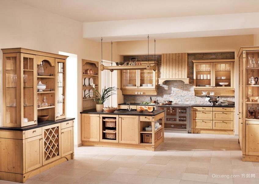 欧式尊贵的大户型厨房实木橱柜装修效果图