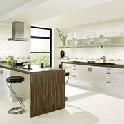 欧式别墅型经典的厨房装修效果图鉴赏