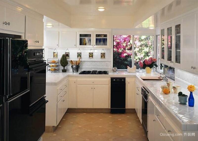 精致的大户型欧式风格厨房吊顶装修效果图
