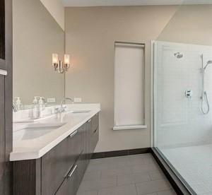 2016欧式风格别墅型浴室吊顶装修效果图