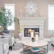 纯白色的客厅图
