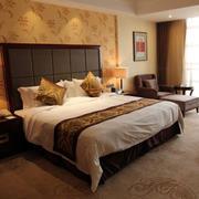 现代中式混搭时尚卧室装修效果图