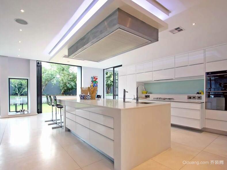 简欧风格别墅型现代厨房装修效果图实例