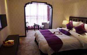 奢华大气时尚卧室背景墙装修效果图