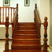 复古木质楼梯效果图