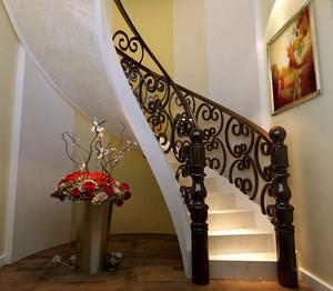 华丽奢侈别墅楼梯装修效果图