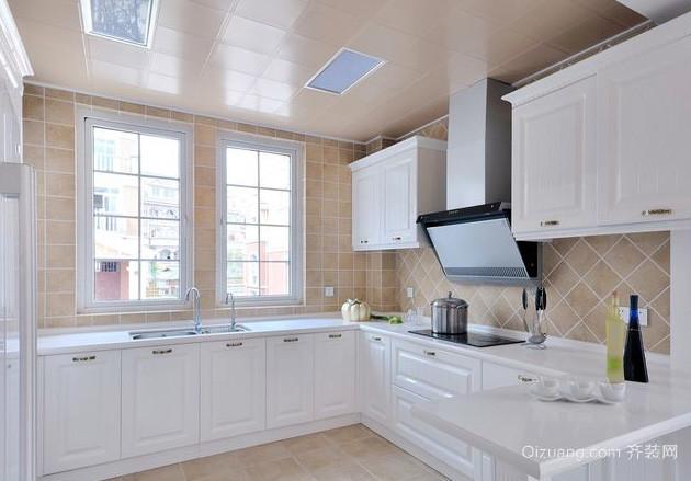 10平米给你一个时尚精致的厨房装修效果图
