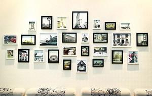 现代时尚小清新客厅照片墙装修效果图