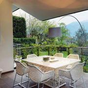 现代欧式别墅型精致的阳台装修效果图欣赏