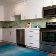 现代欧式大户型精致的厨房橱柜装修效果图