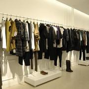 120平米大户型自然服装店室内设计装修效果图