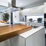 现代简约开放式厨房装修效果图