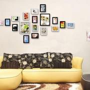 中冷色调照片墙效果图