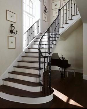 110平米别墅欧式室内楼梯装修效果图