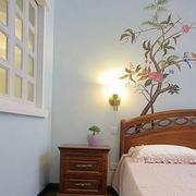 卧室手绘照片墙