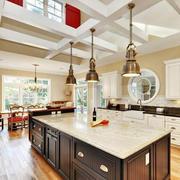 欧式风格别墅型精美的厨房装修效果图