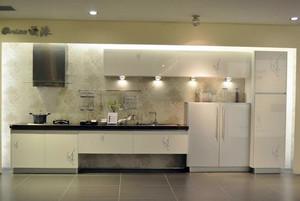 别墅型欧式整体橱柜装修效果图实例