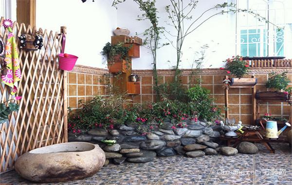 现代别墅简约家庭入户花园装修效果图