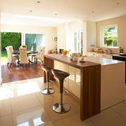 现代极简主义风格自然简约开放式厨房吧台装修效果图