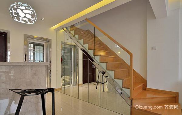 精致的别墅型欧式楼梯设计装修效果图欣赏