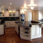 大户型欧式厨房橱柜设计装修效果图鉴赏