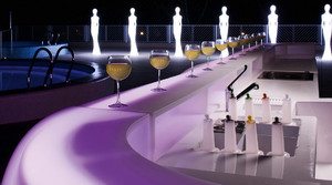 现代简约风格时尚创意酒吧吧台设计装修效果图赏析