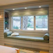 2016都市简约110平米三居室飘窗台面装修效果图
