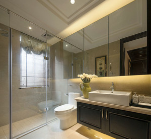 大户型现代简约风格精致室内卫生间隔断装修效果图