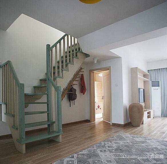 2016精致大户型室内楼梯设计装修效果图鉴赏