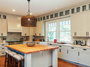欧式风格别墅型精致厨房装修效果图